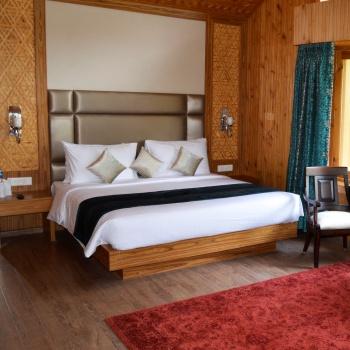 Hotel Kolahoi Green Heights Gulmarg